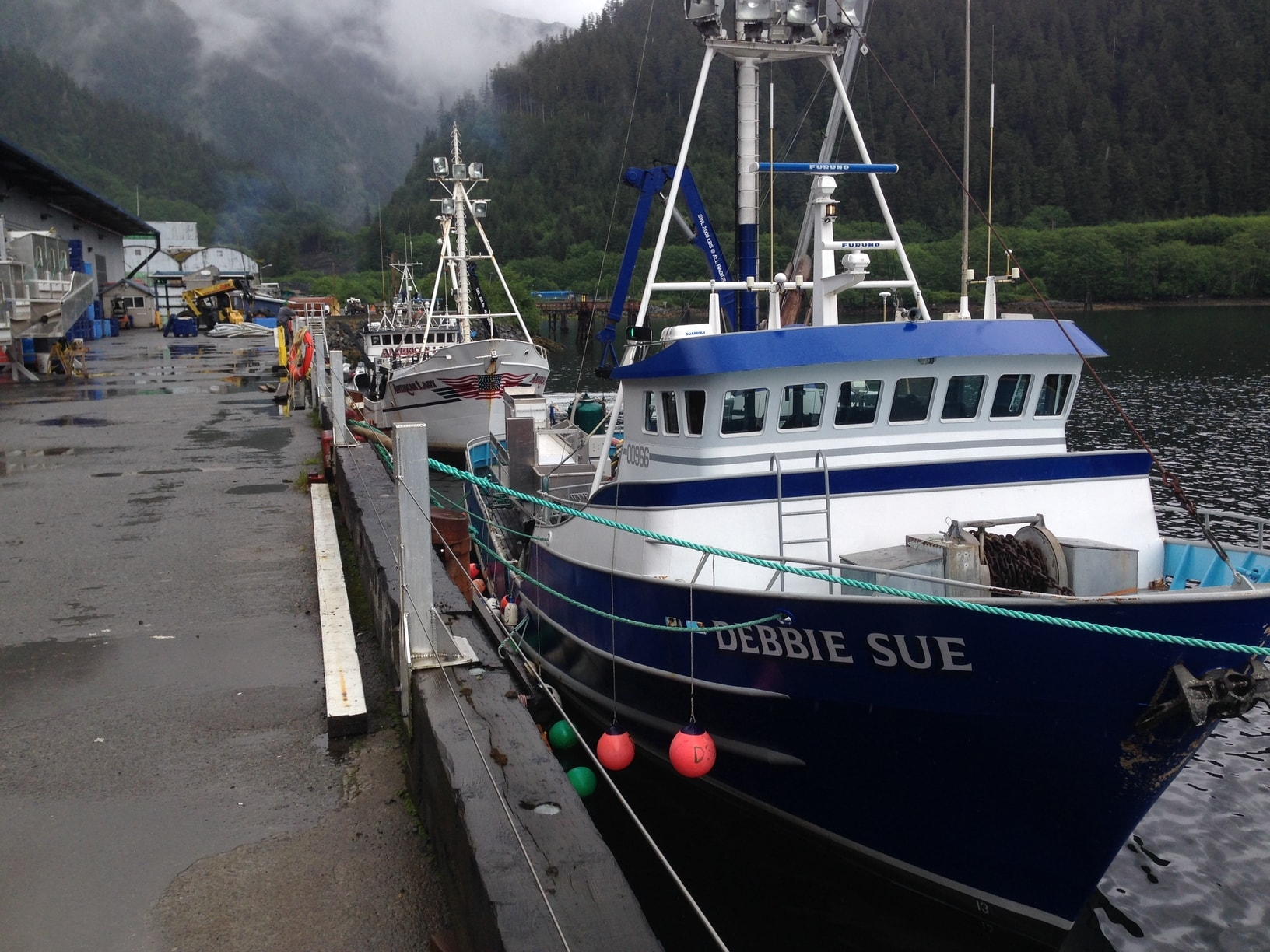 Silver bay seafoods llc for Sitka fishing lodges